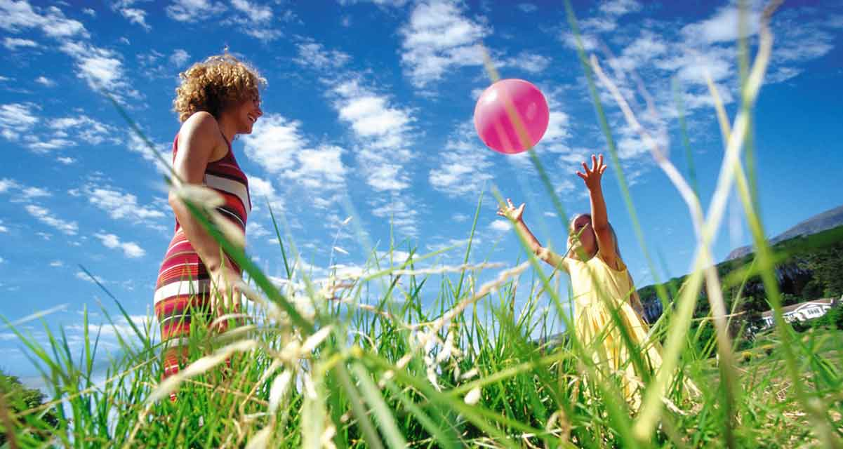 spelen met dochter eenouder vakantie Frankrijk